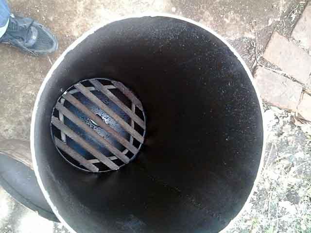 Решетка из арматуры в баллоне
