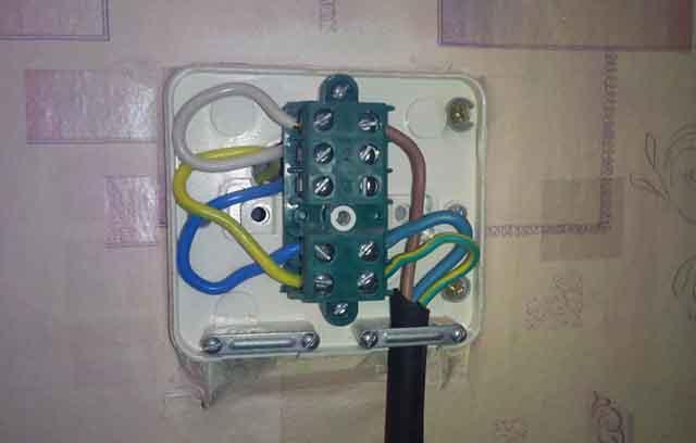 Соединение проводов на клеммнике