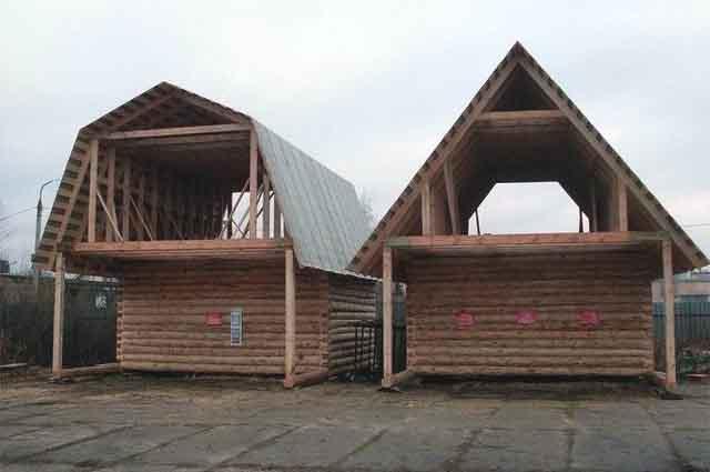Два бревенчатых дома