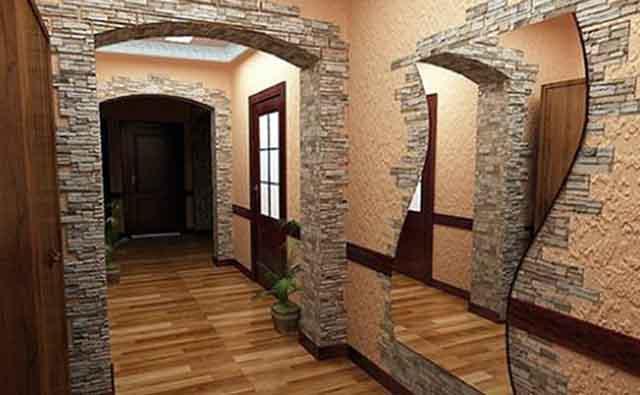 Оформление с фигурным зеркалом в коридоре