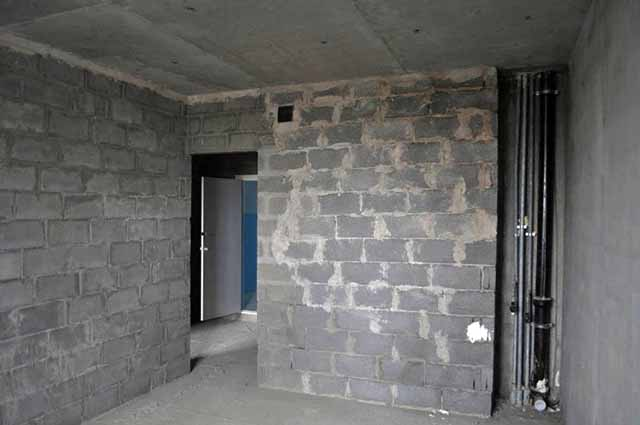 Стены и потолки без отделки
