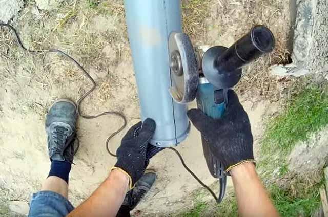 Резка канализационной трубы ПВХ