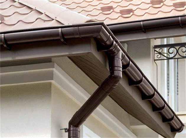 Металлические водоотводы с крыши