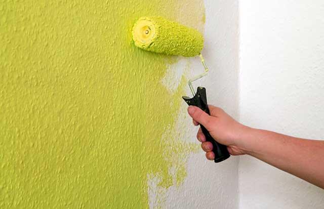 Как окрашивать стену валиком