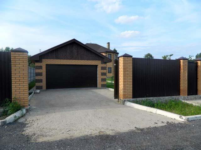 Расположение автомобильного домика во дворе