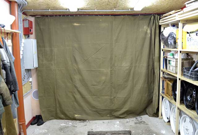Завеса на входе в гаражное помещение