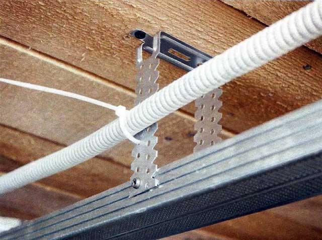 Прокладка кабелей за навесным потолком