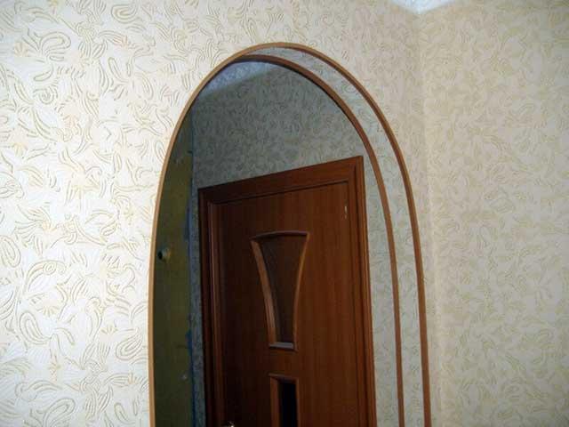 Простая облицовка арки уголками