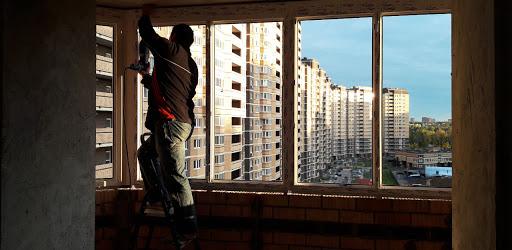 Установка и ремонт окон: разнообразные работы по остеклению и обустройству балконов и лоджий