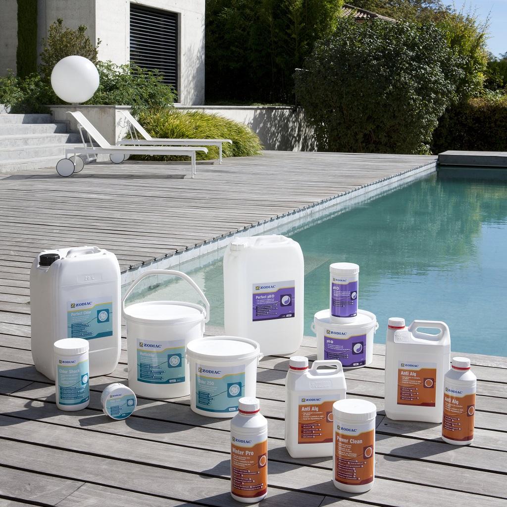 Чем очистить домашний бассейн