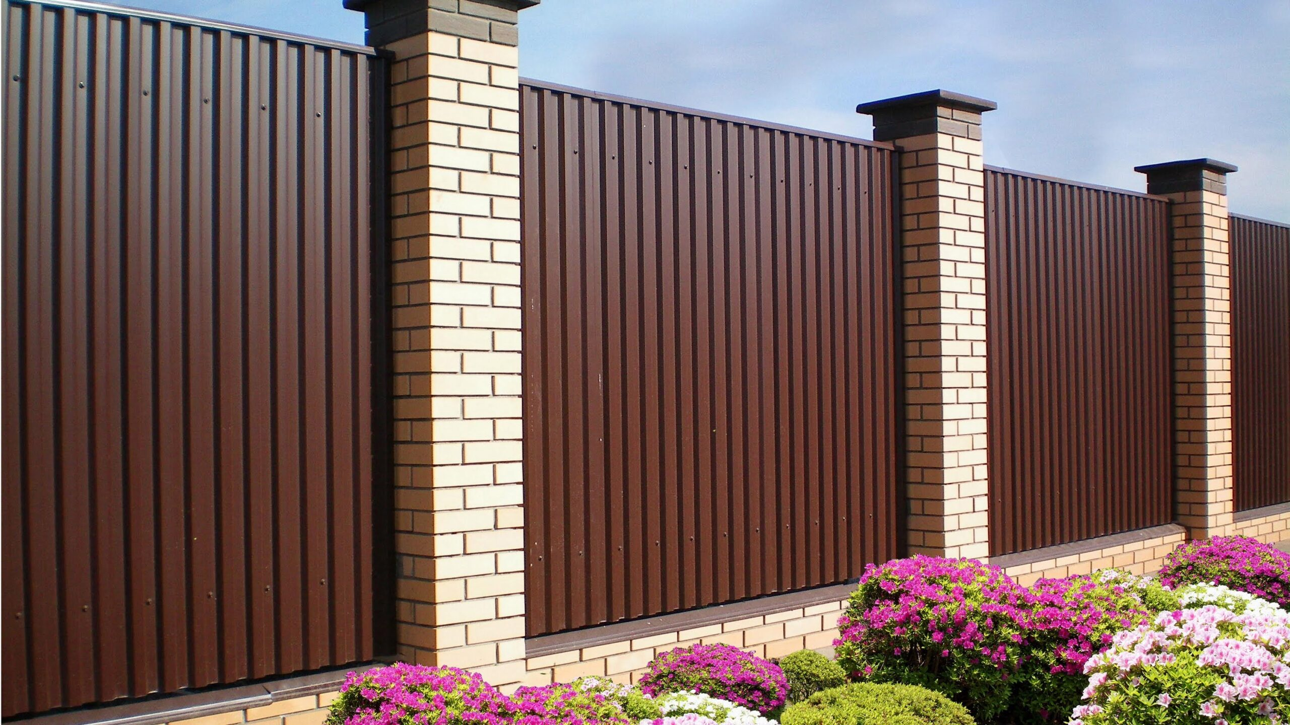 забор из стенового профнастила
