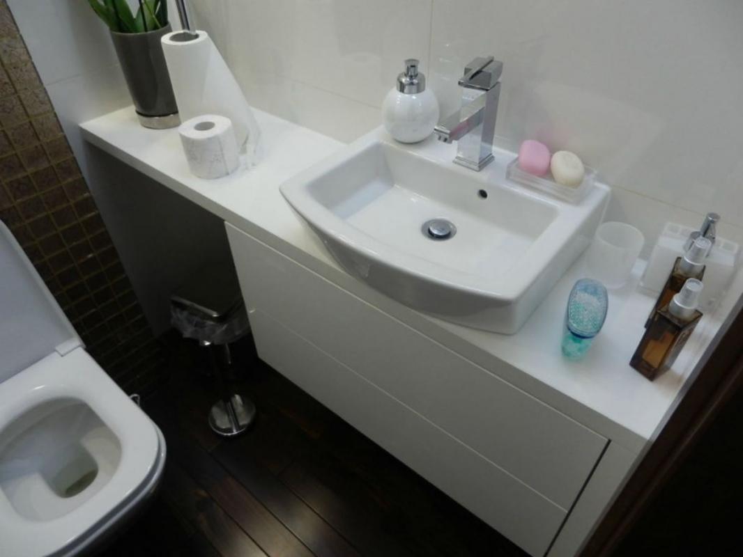 умывальник в маленькую ванную