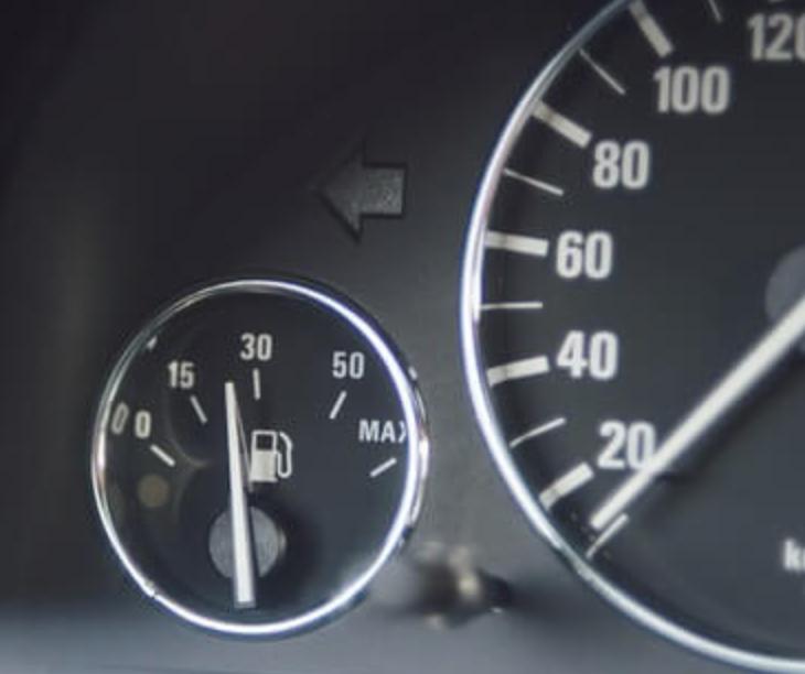 Как работает GPS контроль уровня топлива