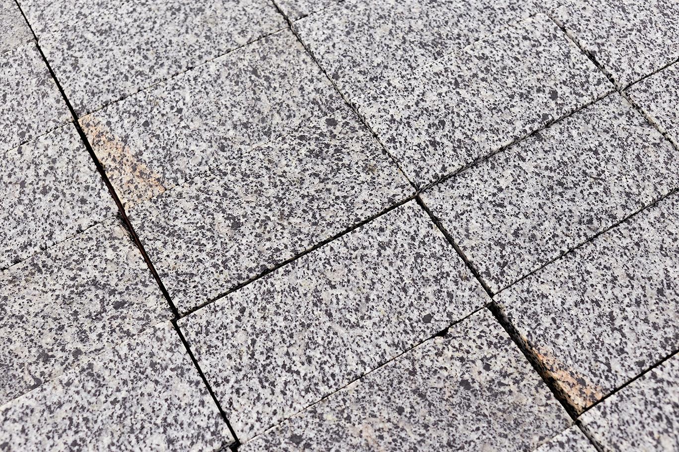 Как правильно положить гранитную плитку на улице