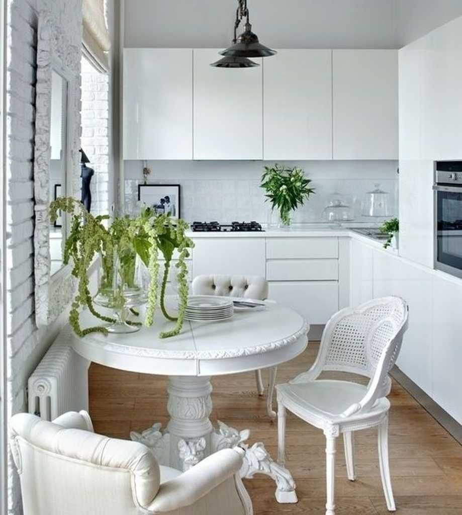Как выбрать кухонный стол для маленькой кухни